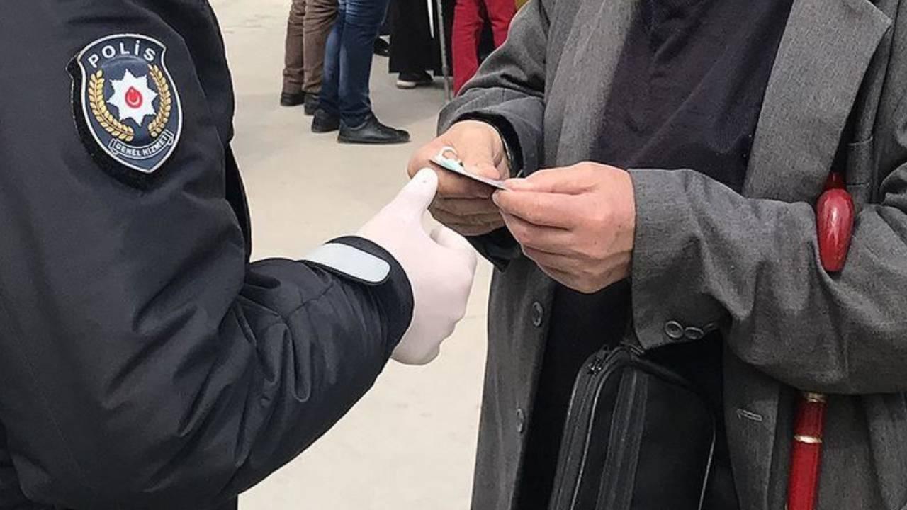 Kocaeli'de Kovid-19 tedbirlerine uymayan 227 kişiye para cezası verildi
