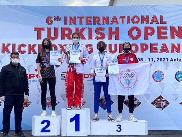 Körfezli sporcular Antalya'dan 3 madalya ile döndü