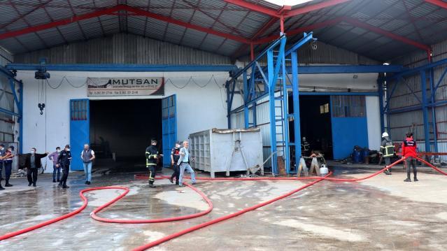 Çelik konstrüksiyon fabrikasında yangın paniği