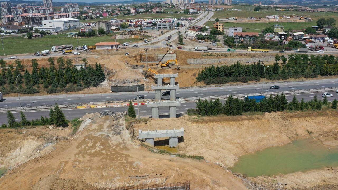 Gebze'deki Dev Projede Yol Genişletme ve Köprü İnşası