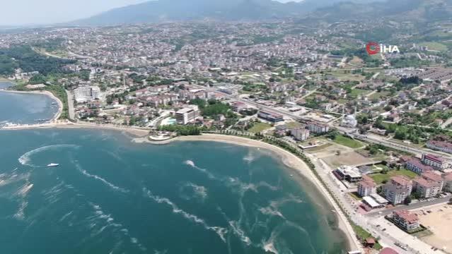 İzmit Körfezi'nde deniz salyası seferberliği… 200 tondan fazla deniz salyası temizlendi