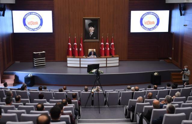 Kocaeli Valisi Yavuz, müsilajla mücadele çalışmalarını değerlendirdi Açıklaması