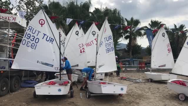 İzmit Körfezi'nde yelken yarışları yapıldı