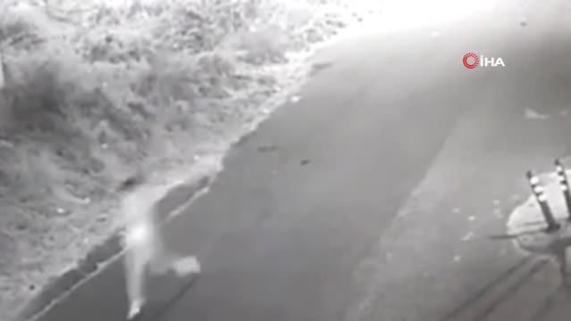 Köpekten kaçarken düşüp kolunu kıran çocuk kamerada